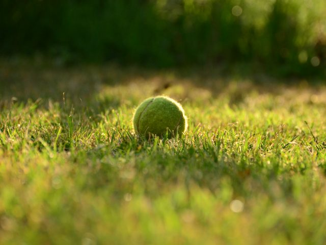 Kunstgræs fodboldbane og tennisbane